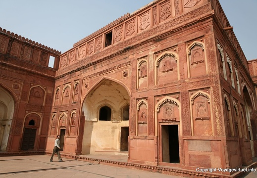 agra-fort-rouge-jahangir-palace-128.jpg