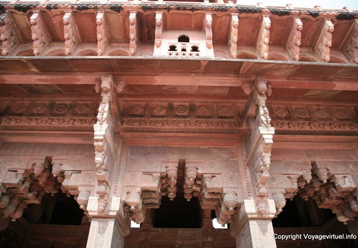 agra-fort-rouge-jahangir-palace-140.jpg