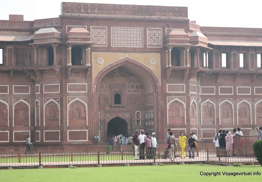 agra-fort-rouge-jahangir-palace-27.jpg