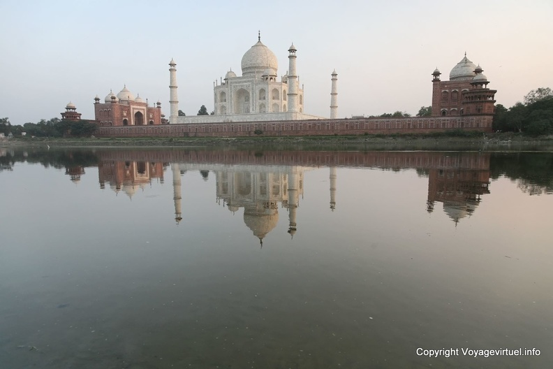 agra-taj-mahal-sunset-yamuna-reflect-16.jpg