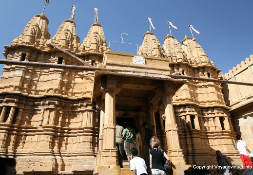 jaisalmer-temple-jain-entrance-3.jpg