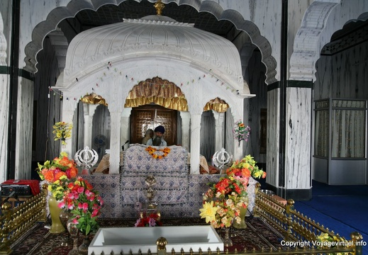 pushkar-sikh-temple-325.jpg
